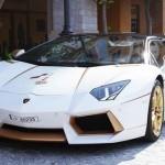 Lóa mắt với Lamborghini Aventador Roadster độ bằng vàng thật 1