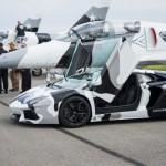 Lamborghini Aventador  đọ sức máy bay chiến đấu