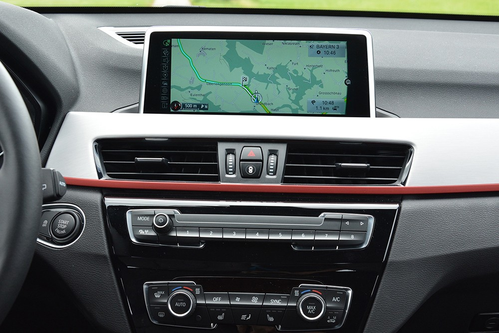 xe BMW X1 2016 (2)